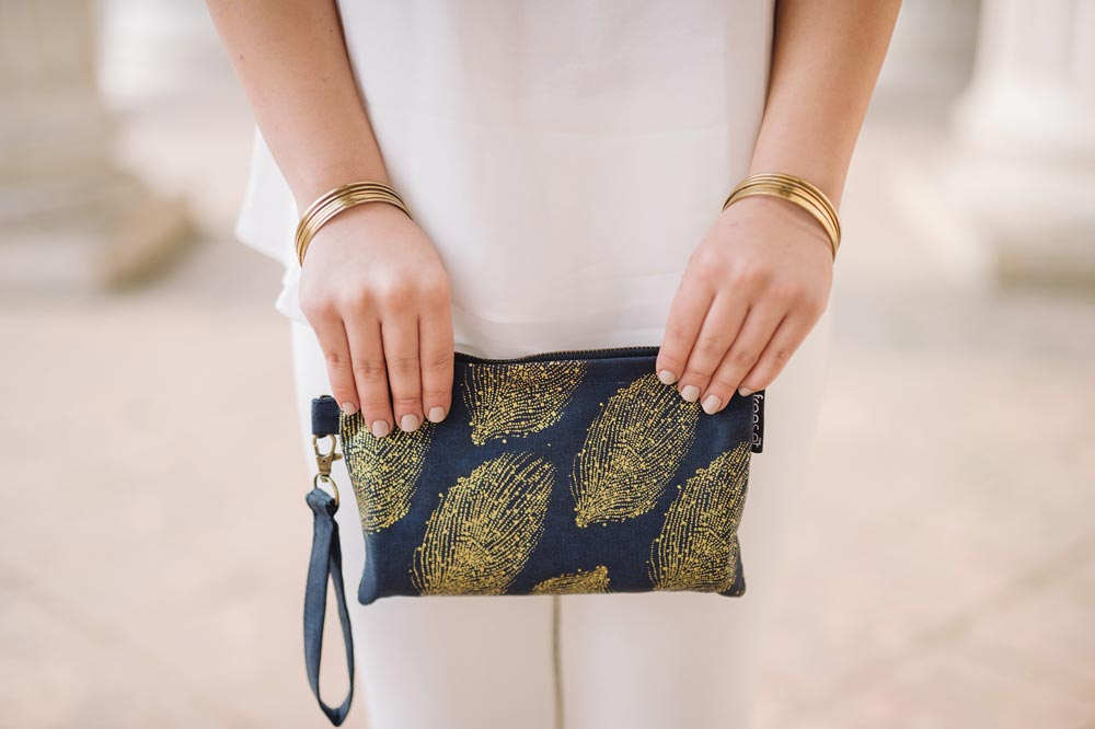 woman-gold-bag